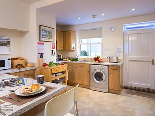 Mulberry Cottage - Two Bedroom House, Sleeps 3