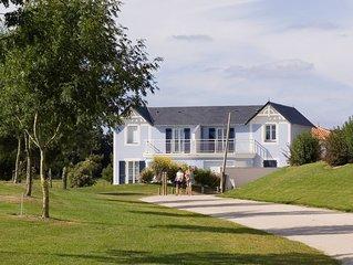 Bon Rapport Qualite-Prix! Maison rustique et cosy avec terrasse | Sur le terrain