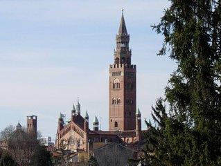 Cremona: LA CITTA' DELLA MUSICA  E DEI VIOLINI, ROMANTICO APPARTAMENTO IN CENTRO