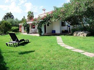 Villa immersa nel verde in zona tranquilla vicina a tutti servizi.