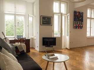 Light And Spacious Apartment In  Central West Berlin