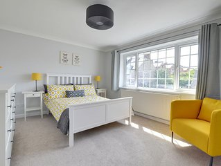 Pup's Cottage - Two Bedroom House, Sleeps 4