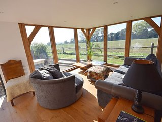 Bosham Lodge Barn -  a cottage that sleeps 4 guests  in 1 bedroom