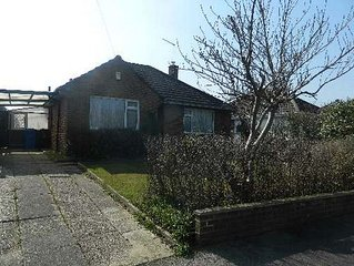 BOURNECOAST- Bungalow situated conveniently between Poole and Bournemouth-HB5959