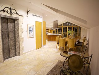 luxueux  Penthouse  240 m²