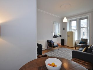 Bright 2 bedroom flat in Glasgow's West End