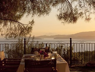 Villa with stunning view out to the sea accross the viladge of Glossa
