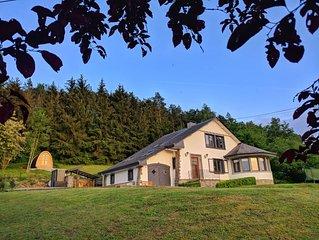 Nieuw te huur!Luxe 10p. villa met jacuzzi, sauna, speelkamer, BBQ & view!!
