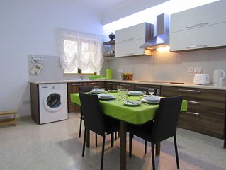 Central Apartment close to all amenities
