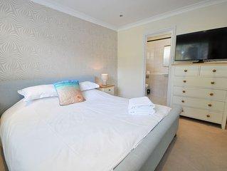 Sandbanks Oasis -  an apartment that sleeps 5 guests  in 2 bedrooms