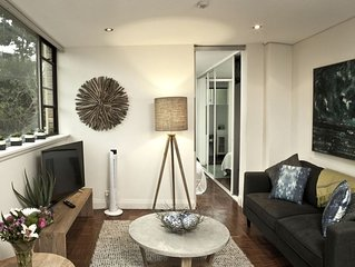 """Belle Amore at McMahons Point"", Sydney Harbour Waterfront Apartment"