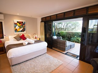 The Boathouse: a tranquil, luxurious 5 star retreat in central Yamba.