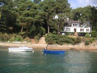 Grande  maison pieds dans l'eau