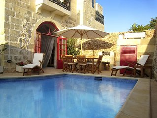 Beautiful,Spacious 400 Year Old Luxury Farmhouse,Private Pool,3 Ensuite bedrooms