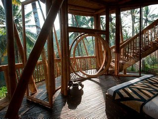 Unique Bamboo Villa in Ubud, cultural heart of Bali - sleeps 6 guests  in 3 bedr