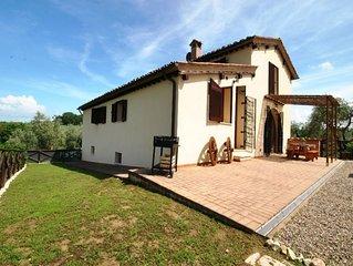 Casa vacanze con piscina, WiFi, Siena, giardino privato, barbecue