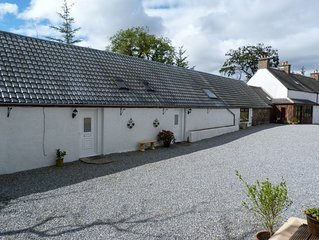 Stunning views, cottage in a peaceful location overlooking Dufftown