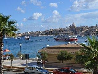 Sliema sea view, vista mare  nella zona più in di  Malta, balcone privato, aria