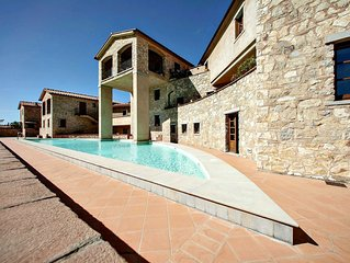 Beautiful Apartment In the Heart of Chianti with panoramic swimming pool
