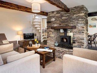 Camellia Cottage - Three Bedroom House, Sleeps 4