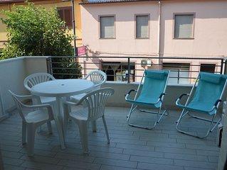 'VIA ROMA'  nuovissimo appartamento centrale con WIFI e  vista mare