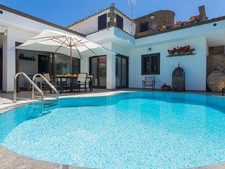Villa Teresa with pool in Mondello