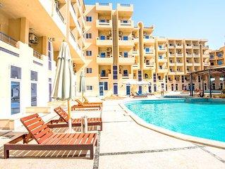 Pool View Studio with Nice Balcony and Free WIFI