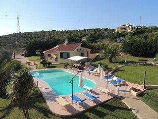 Villa La Rocada, 13 metres swimming pool with jacuzzi, garden, kids play area