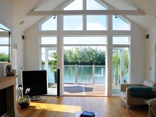 Luxurious 4 bedroom lodge on Summer Lake