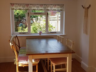Family-friendly 3-bedroom house with garden close to Bristol city centre