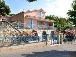 Haut de villa lumineux et spacieux  Manosque paysager