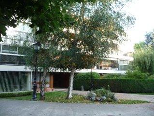 Appartement dans résidence avec piscine et tennis, face au Parc de Versailles