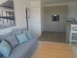 Stunning 1 Bedroom apartment, close to all amenities.