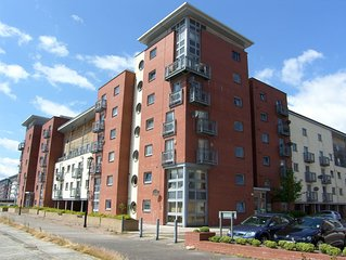 Stunning Waterfront  Apartment On Dundee City Dockland Development