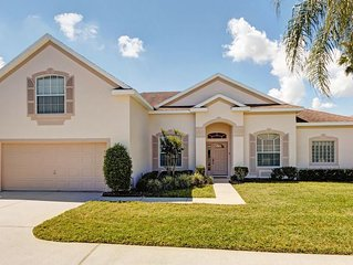 5 BR/ 4BA. Villa, free wi - fi, Private Sth Facing Pool, Large Driveway