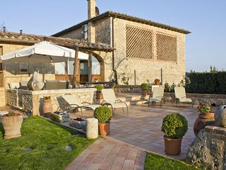 Siena countryside semi-detached house, shared pool, ideal to discover Tuscany