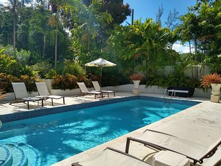 Wonderful 4 bedroom holiday house with private pool near the beach