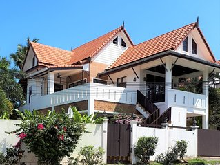 Amintra 5 Pool Villa. 3 bedroom seaview villa with easy access to all amenities