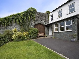 Bluebell Cottage. In a quiet location above Ambleside, Stunning views. Very Com