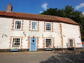 Green Side Cottage - Three Bedroom House, Sleeps 6