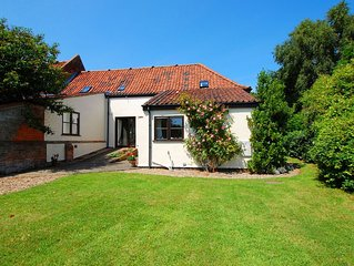 Traditional holiday home near the coast and Norfolk