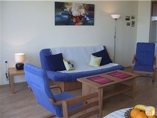 Lovely spacious 2 bedroom apartment with sea views and private balconies