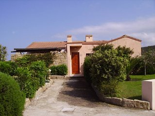 Casa con giardino vista mare