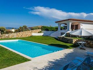 Villa Smeralda, con grande piscina e giardino, stupenda vista sull'Arcipelago