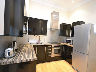 Wonderful 2 bedroom apartment located in the heart of Paddington.