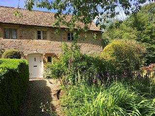 LISTED COTTAGE WITH FABULOUS PRIVATE GARDEN SET IN CHARMING COTSWOLD HAMLET