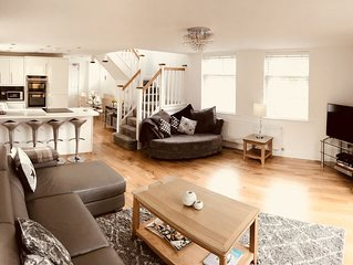 Walking distance to Bournemouth New Property private garden Smart TV & Netflix