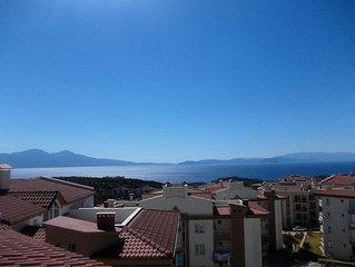 Lovely 4/5 bedroom penthouse apartment in hills 5 minutes from Kusadasi Centrum.