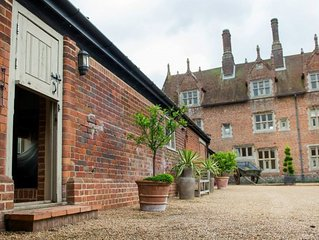 Haybarn Cottage at Historic Hautbois Hall