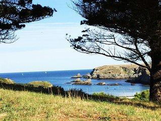 Maison sur la cote sauvage de belle ile en mer